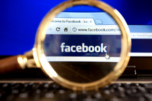 Domestic abuse victims are worried about Facebook, since they can't register under a false name, which leaves them vulnerable to their attackers finding them. (©istockphoto.com/gmutlu)