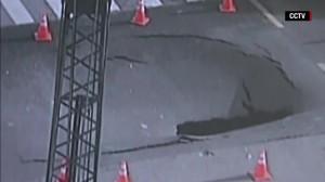 160424131023-china-sinkhole-opens-on-highway-orig-vstan-bpb-00003623-exlarge-tease